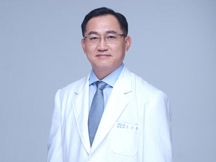 韩国耶斯整形医院双眼皮修复院长柳昌佑